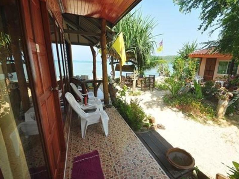 Dee Dee Beach House 迪迪海滩房酒店