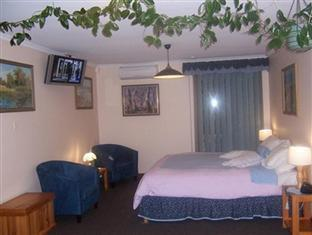 Adelaide Hills Bed & Breakfast Accommodation Adelaide - Queen Size Bedroom