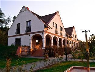 Arbo Guesthouse Debreczin - Hotel Aussenansicht