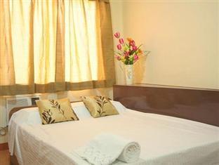 Robe's Pension House Cebu - Triple Deluxe Room
