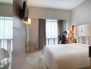 Santika Premiere Dyandra Hotel & Convention – Medan Medan - Hotellihuone