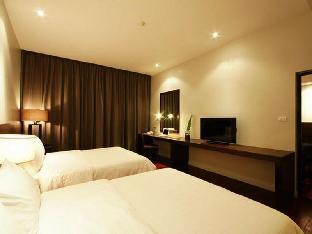 Inpawa Boutique Hotel guestroom junior suite