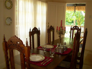 The Cove House Bed & Breakfast Bohol - Dining Area