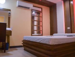 Philippines Hotel Accommodation Cheap | Hotel Sogo Pasay Rotonda Manila - Deluxe Room