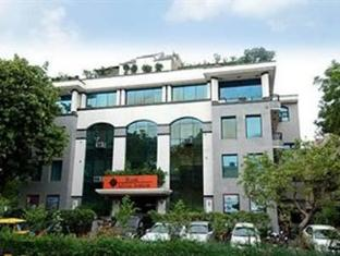 Starlit Select Aarone Residency New Delhi and NCR - Exterior
