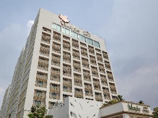 ロゴ/写真:Maple Hotel