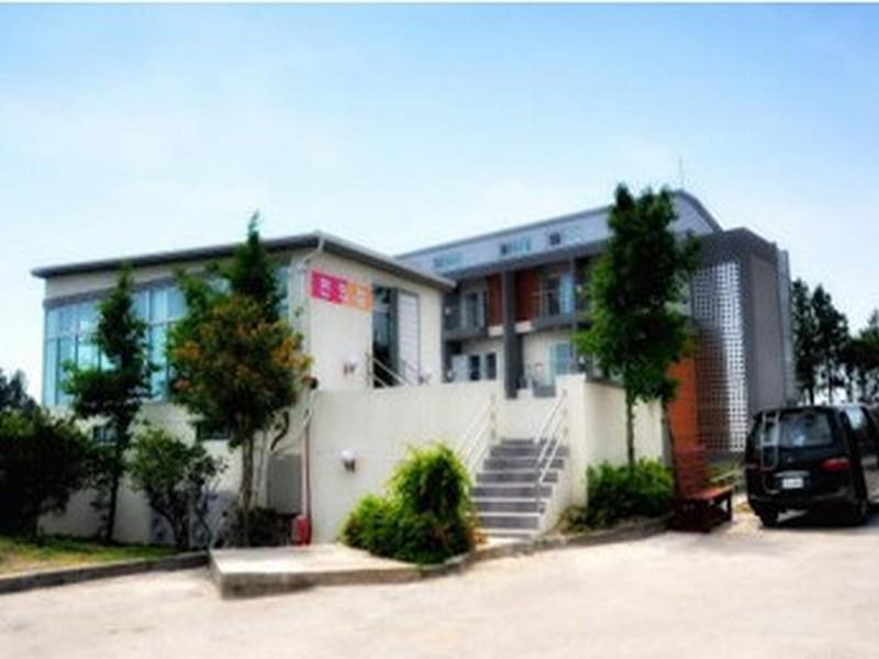 South Korea-중문 패밀리 펜션 (Jungmoon Family Pension)