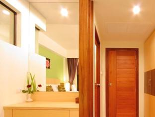 Kalim Beach Place Phuket - Deluxe Bathroom