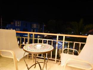 Kalim Beach Place Phuket - Easy Chair