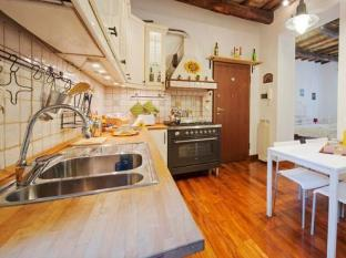 Interno 2 Rome - The Woody Apartment