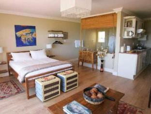 Dolphin Inn Guesthouse Cape Town - Deluxe Suite