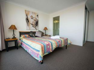 Broadwater Shores Waterfront Apt Gold Coast - Guest Room