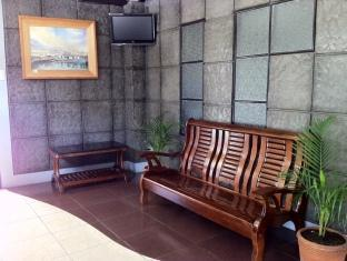 P Hostels & Residences Manila - Waiting Area  Lobby
