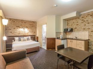Highlander Motor Inn and Apartments Toowoomba - Standard Queen Room