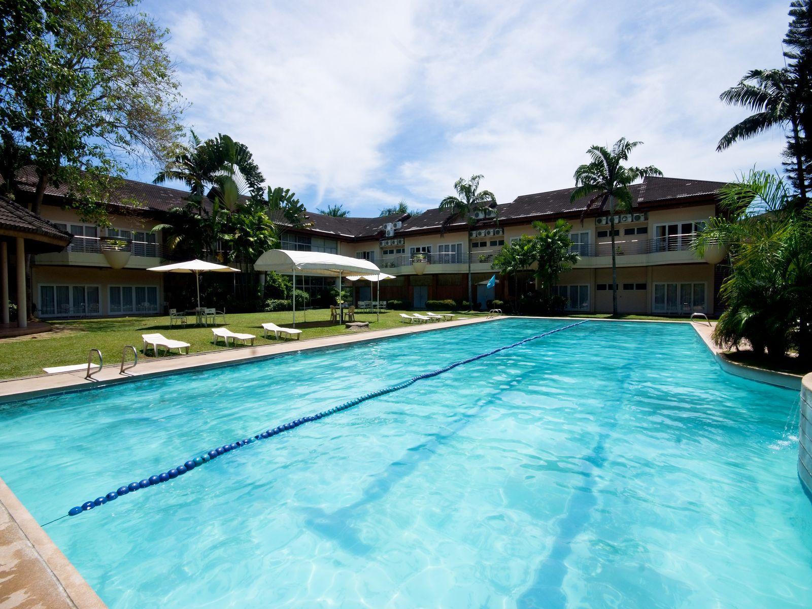 Philippines Hotel   Swimming Pool