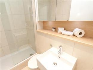 Times Square Serviced Apartments London - Bathroom