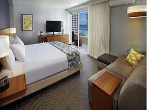 ➦  Hyatt Hotels    (Hawaii) customer rating