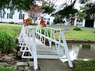 Bay Leaf Cottages & Bistro Lincolnville (ME) - Exterior