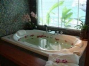 Hua Hin Avenue Hotel guestroom junior suite