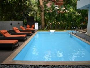 Hotel 16 Degrees North North Goa - Swimming Pool