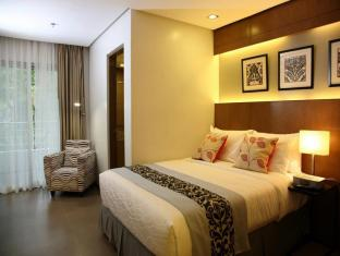 St. Mark Hotel Cebu - Deluxe Room with Queen Size Bed