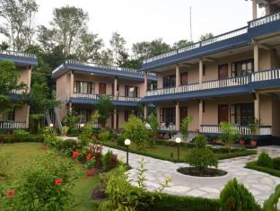 Chitwan Village Resort Chitwan National Park - Utsiden av hotellet