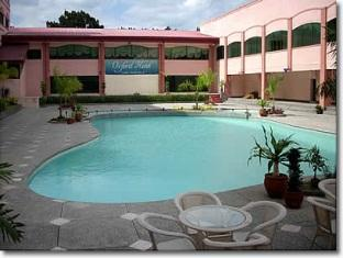 Oxford Hotel Angeles / Clark - Swimming Pool