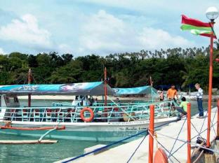 Paradise Island Park & Beach Resort Davao City - כניסה