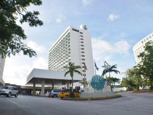 Guam Reef & Olive Spa Resort גואם - בית המלון מבחוץ