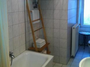 Dinos-City-Apartments Berlin - Bathroom