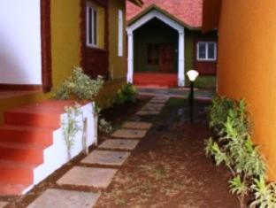 Ginger Tree Boutique Resort North Goa - Pathway