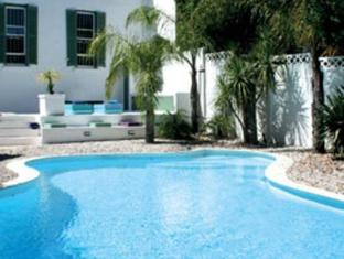AfricanHome Guesthouse Cape Town - Swimming Pool