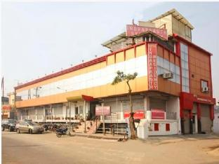 Hotel Indraprasth Residency Агра