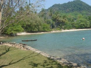 Sabai Corner Bungalows Phuket - Beach