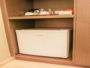 The Exchange Regency Residence Hotel Manila - Minibar in Room
