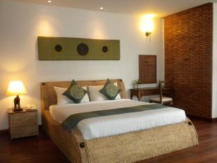 Villa Salt Independence Phnom Penh - Suite with Pool View