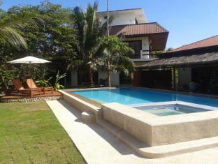 Panglao Palms Apartelle Bohol - Piscina