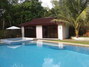 Panglao Palms Apartelle Bohol - Yüzme havuzu