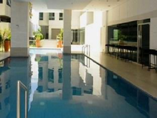 Grand Hampton Suites Manila - Swimming Pool