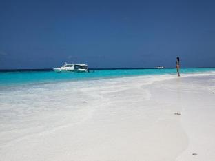 Stingray Beach Inn Maldives Islands - Sand bank
