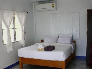 Sky Beach Resort Koh Mak guestroom junior suite