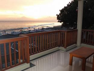 Villa Pantai Senggigi Lombok - Balcony/Terrace | Bali Hotels and Resorts
