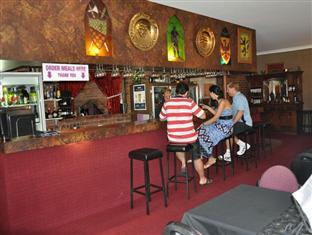 Castle Motor Lodge Whitsundays - Bar/Lounge