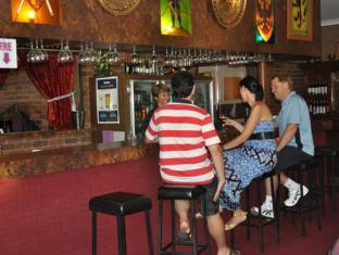 Castle Motor Lodge Whitsunday Islands - Quầy bar/Pub