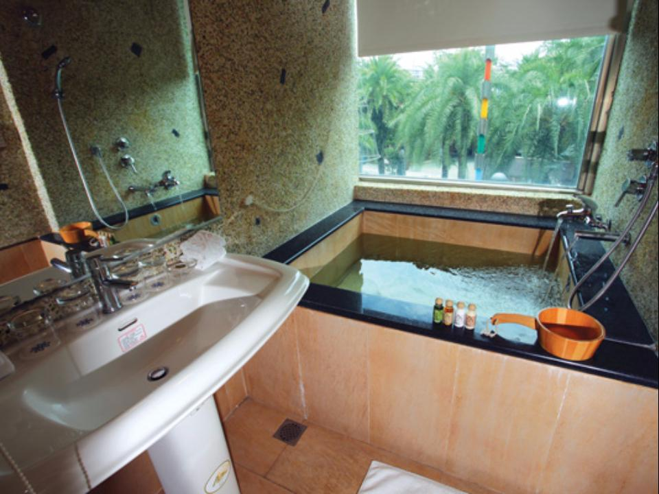 Taiwan Hotel Accommodation Cheap | Bathroom