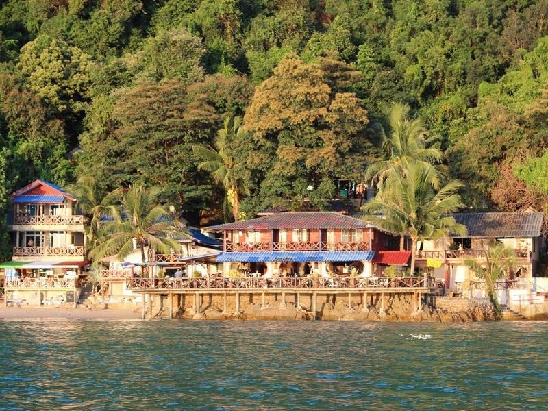 ร็อค แซนด์ รีสอร์ท - Rock Sand Resort