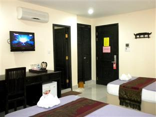 Singapore Hotel Phnom Penh - Twin Bedroom with AC
