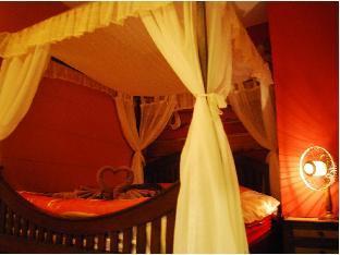 Baan Fern Talay guestroom junior suite