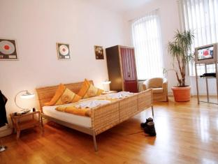 Stars Guesthouse Berlin बर्लिन