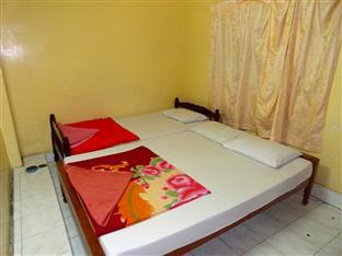 Chi Cha Guesthouse and Restaurant Phnom Penh - Twin Bedroom with AC